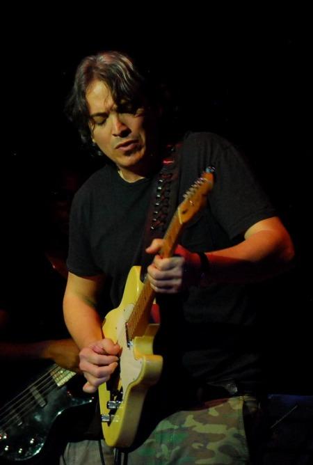 Guitarra invitada: Norberto Rodríguez González